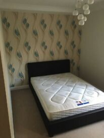 Cheap Double room offer till end of October next to Stratford – Upton Park – West Ham 07849951094
