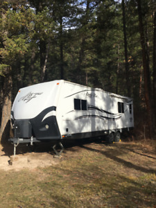 2014 Arctic Fox 25Y Travel Trailer