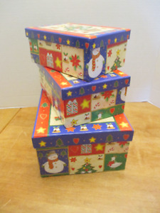 Christmas Tree Pattern Stacking/nesting Boxes - set of 3 - NEW
