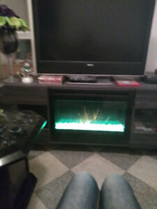 Electric fireplace changes colour too