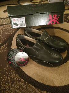 Brand new Ladies steel toe shoes (black- size 10)