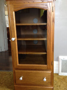 Solid oak cabinet with glass door