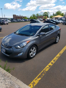 2013 Hyundai elantra GL (standard)- Excellent condition, low km!