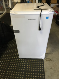 Hamilton Beach White Mini Fridge