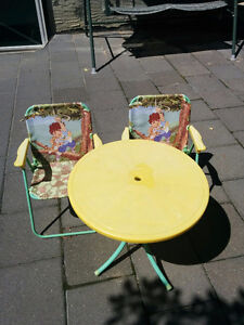 Toddler picnic table &  chairs set