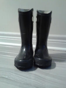 Slightly used Bogs Rain Boots Size 10