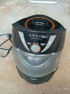 Hardly used.Only $20 firmHumidifier - Sunbeam