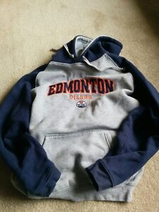 Oilers Hoodie Great for someone 10 - 12 years old Serious inquir