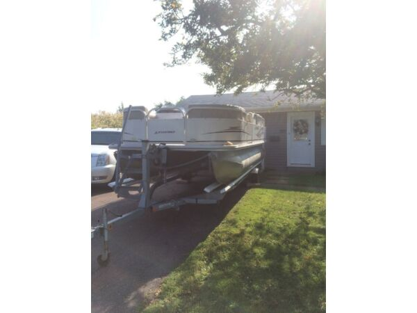 Used 2008 Legend Boats Bayshore 200 pontoon