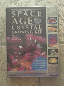 Space Age Crystal Growing Kit, Factory sealed
