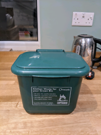 Food waste caddy/bin (good condition) - RESERVED