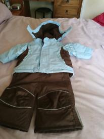 Child's coat & salapets