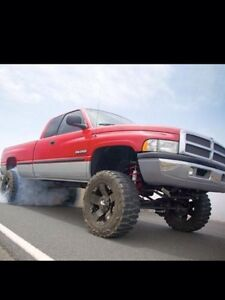 Looking for 5.9 Cummings 12 or 24 valve motor a 2wd trans