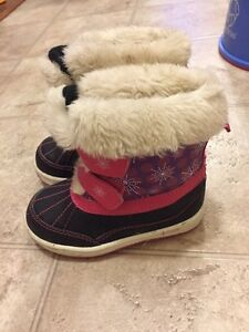 Winter boots / snow boots size 8