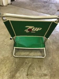 "VINTAGE "" 7-UP"" SODA POP BEACH CHAIR~FOLD UP 80'S ALUMINUM"