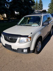 Sweet and clean 08 Mazda Tribute