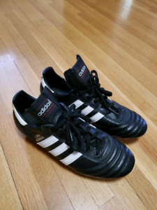 SOCCER CLEATS / ADIDAS