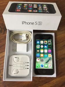 iPhone 5s. Like new. Bell/Virgin