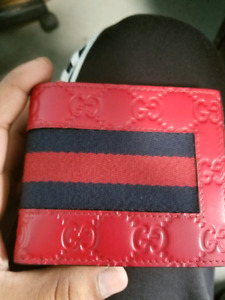 Hibiscus Red Gucci Signature Leather Wallet