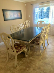 Gorgeous Dining Room Set. Moving Must Sell!