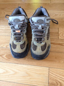 Women's steel toed safety work boots size 7 – 7 ½
