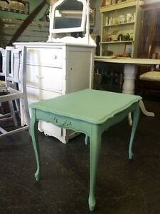 SHABBY CHIC FRENCH PROVINCIAL END TABLE $80