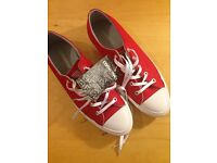 NEW converse women's size 6.5 40.5 red