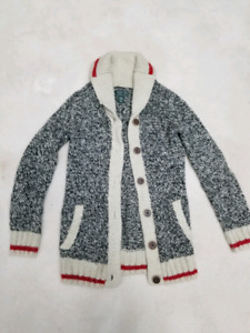 48bc7bc30fa ROOTS kids Cabin Sweater - size 7-8 years