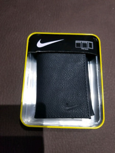 Nike Trifold Wallet In Tin