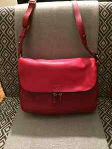 Fossil crossbody purse - red leather West Island Greater Montréal image 2