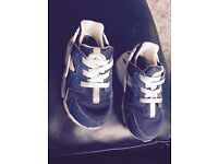 Boys infant trainers