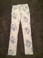 Flower jeans size small