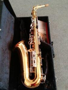 Alto Saxophone Vito V7131R + CASE (MADE BY YAMAHA)
