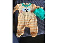 Pumpkin outfit (newborn)