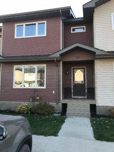 3 bed 1.5 bath townhome sublet in Lorette