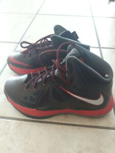 $10-$15 Basketball Sneakers youth sizes slightly used