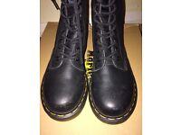 DR MARTENS Boots Size 4