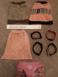 Dog/puppy clothes/sweaters harness and collars