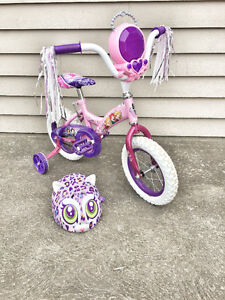 "12"" Disney princess bicycle and helmet"