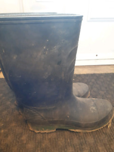 Rubber boot size 11