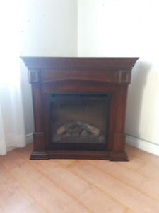 Electric Fireplace - Excellent Condition