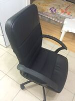 Stunning black executive chair for just 35$