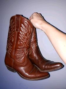 Women's cowboy boots, size 39