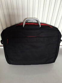 A light weight laptop bag, bargain at only £10, first to see it buys, no time wasters please