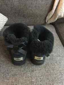 Size 4 Uggs