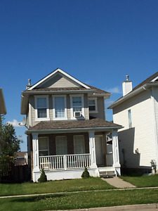 3 Bed Detatched House for Rent in Sherwood Park