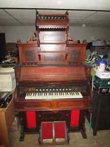 Vintage Dominion Parlor Pump Organ - circa 1920