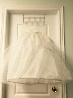 Beautiful Wedding dress, size 8, excellent condition.