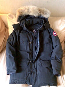 Canada Goose    | Banff Parka | Black -  Size Small