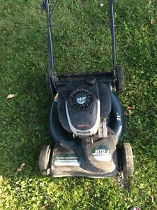 Good working push lawnmower for sale !